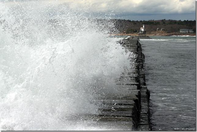 Break_Water_Waves_1