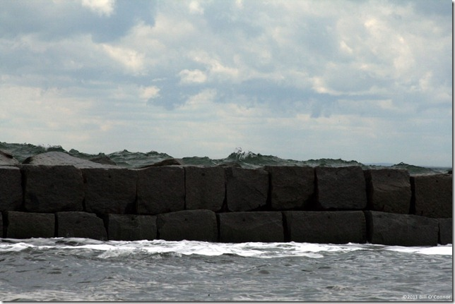 Water_over_Breakwater