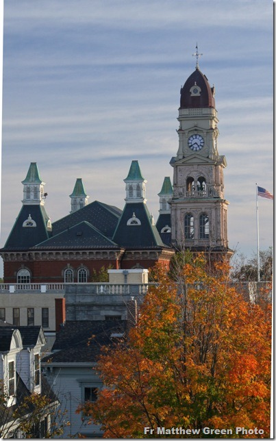 _Autumn city hall
