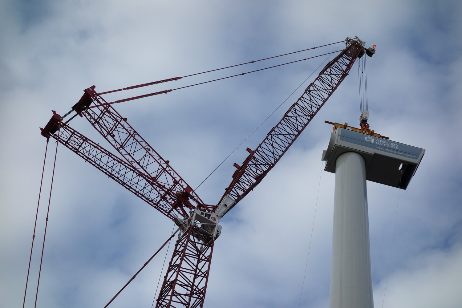 Varian wind turbine installation 11-2-12 (3a)