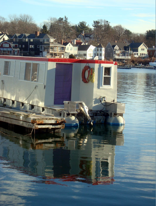 houseboat with purple door