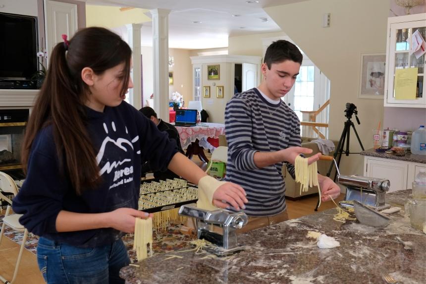 BJ Mohan Sabrina Sista Felicia making pasta © Kim Smith 2013