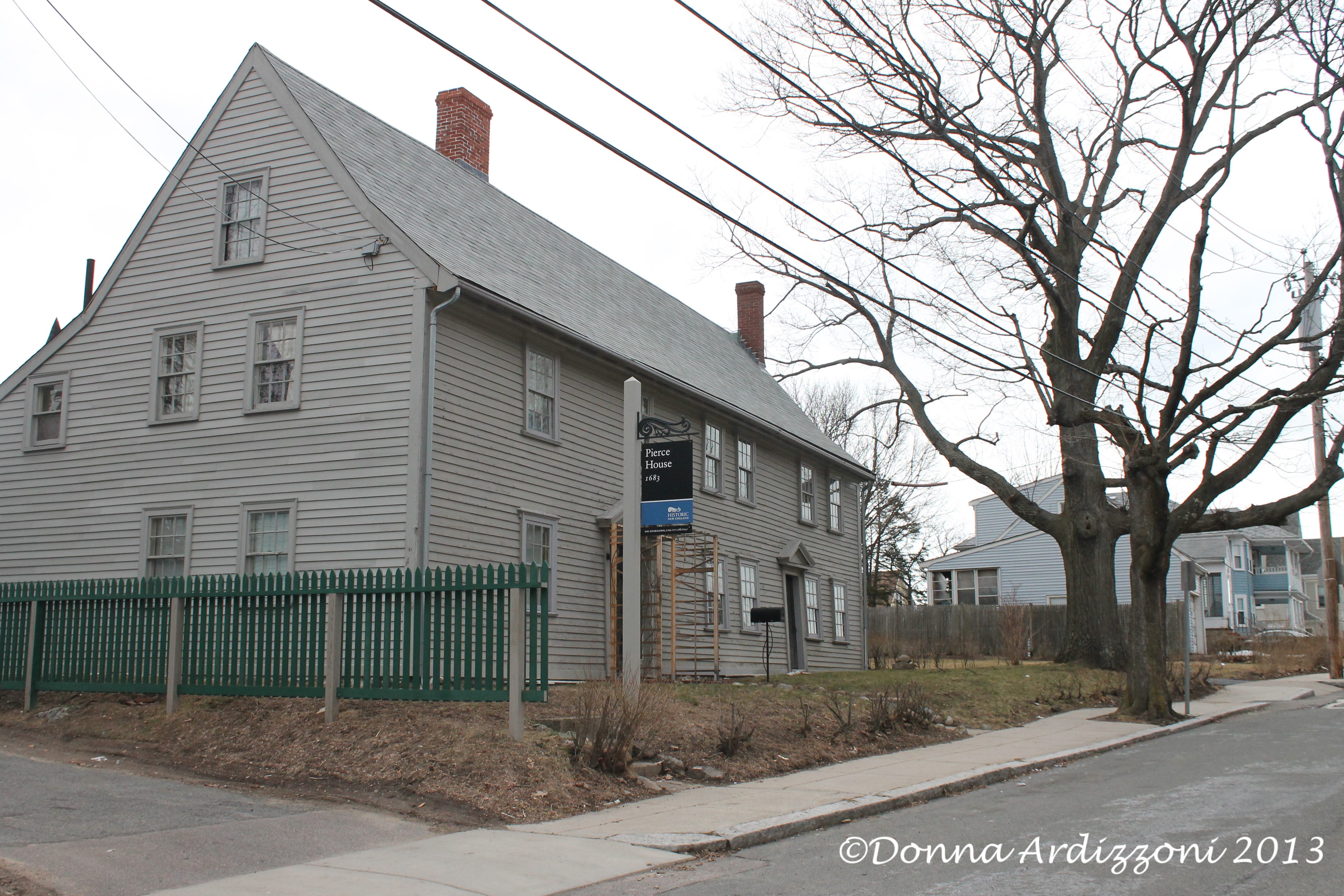 Historic new england home goodmorninggloucester for New england house