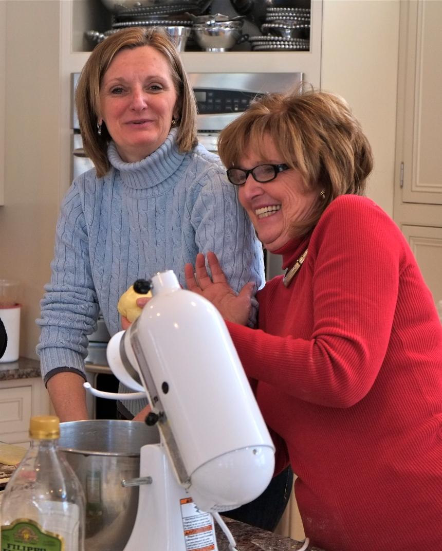 Pat Ciaramitaro Sista Felicia making pasta © Kim Smith 2013