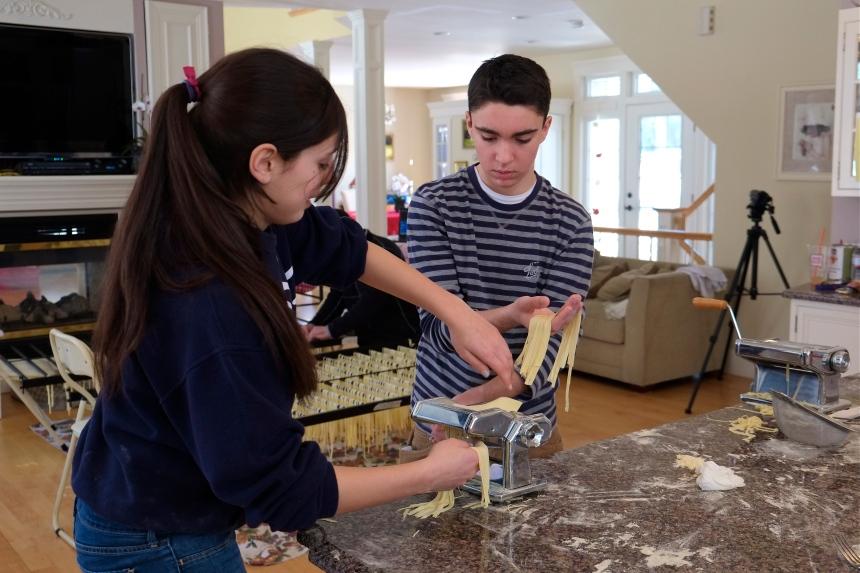 Sabrina and BJ Mohan Sista Felicia making pasta 2 © Kim Smith 2013