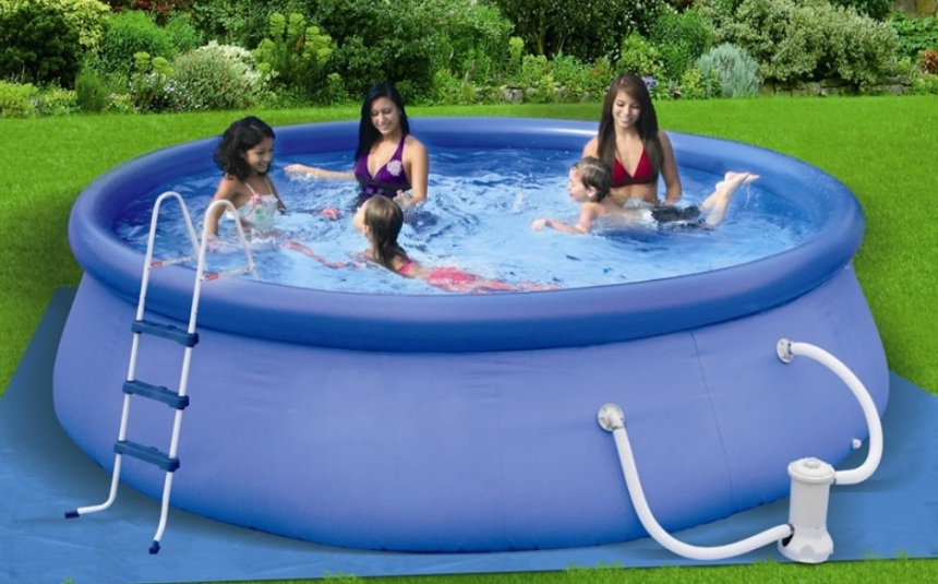 12-15-foot-Intex-Swimming-Pools1