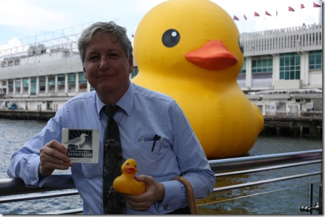 2013 06-07 HK Rubber Duckie at Lunchtime 041