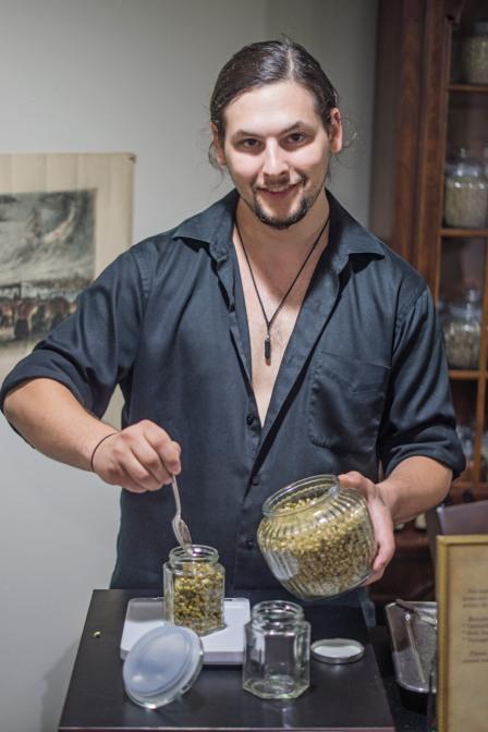 _DSC08980 Clint servint chamomile