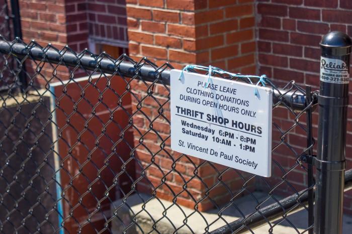 _DSC09044 SVP sign on the gate