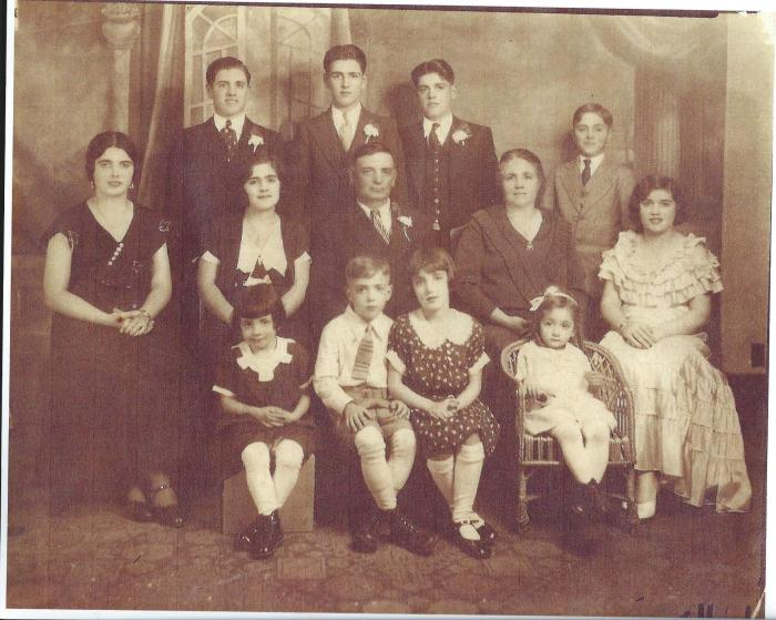 PISCITELLO FAMILY 1934