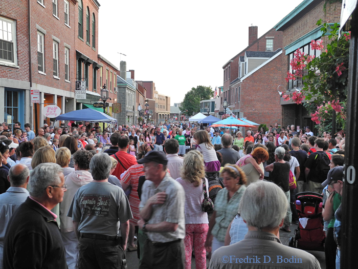 This evening, 9/21/13, at 6pm, the Main Street Block Party gets underway. Without exception, Block Parties have always been well attended. It's fun for all ages.