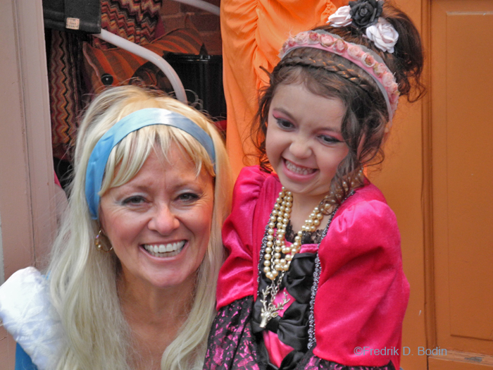 GMG's Donna Ardizoni costumed as Cindarella, and Andromeda Lamotte is the other princess. What a great pair.