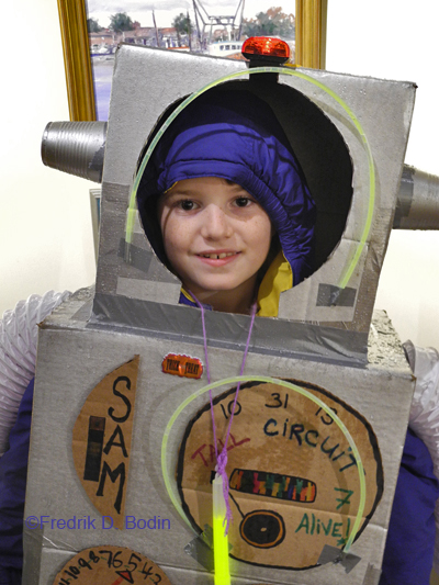 Seven year old Sam Palazola, the robot boy. Love it!