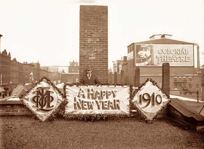 Made by a sign painter in Salem, and likely photographed in the same city. So have a happy and safe New Year everyone.  2014 will bring us new adventures.