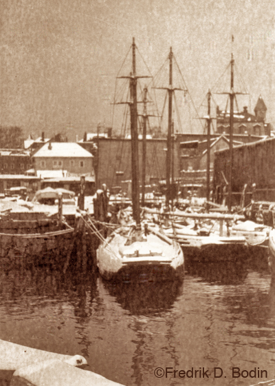 We only had a dusting of snow today. That's a good thing, because I haven't gotten my shovel or salt/sand bucket out yet. Mother Nature is telling us to get ready. This is Gloucester Harbor about 1930, but I can't place it's exact location. That's not City Hall in the background.