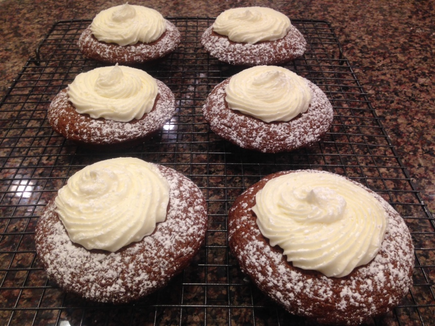 ginger bread muffin tops with mascapone frosting (26)