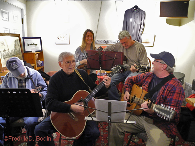 During the opening, we were entertained by the Old Folks Novice Acoustic Jam. Two or three of the players are GMG names you may recognize: Marty Luster, Len Burgess, and James Eves. Anyone is welcome to play with them. This was their first public appearance.