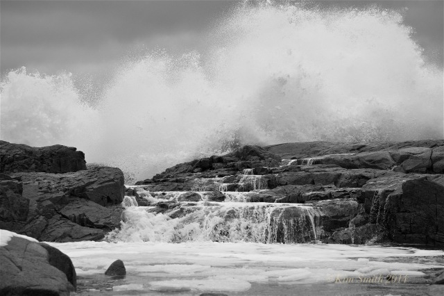Brace Cove big wave -2 ©Kim Smith 2014