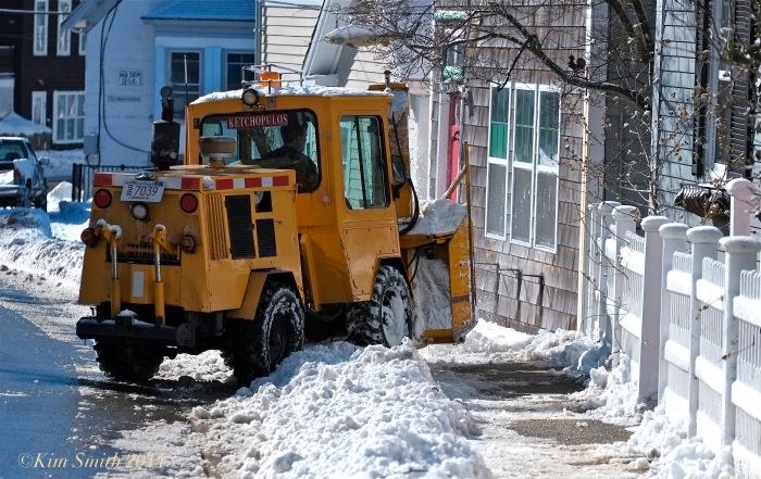 East Gloucester Snow Clean up ©Kim Smith 2014