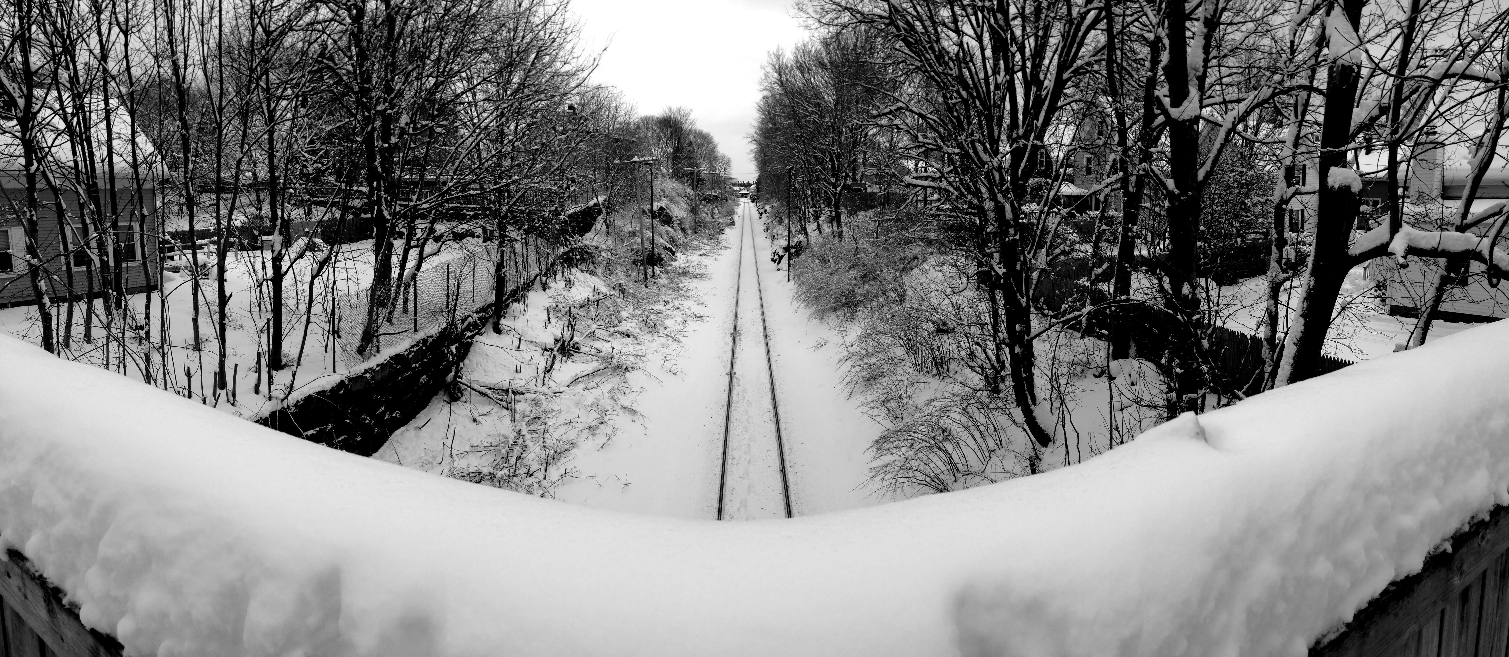 Waitin' on dat train.