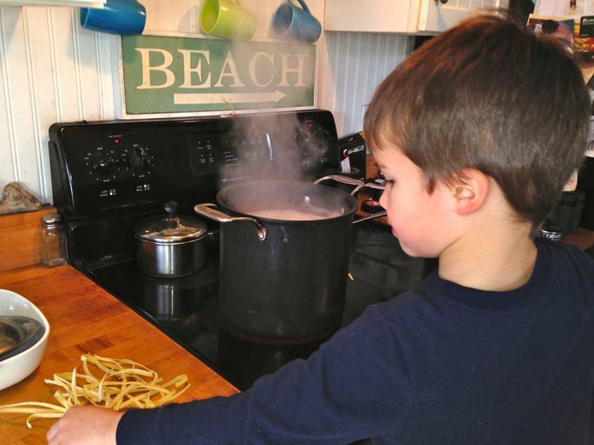 nichole wadsworth schrafft son Finn pasta photo
