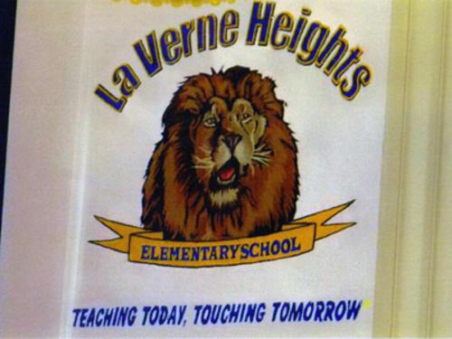 schoolsign-fails-teachingtouching