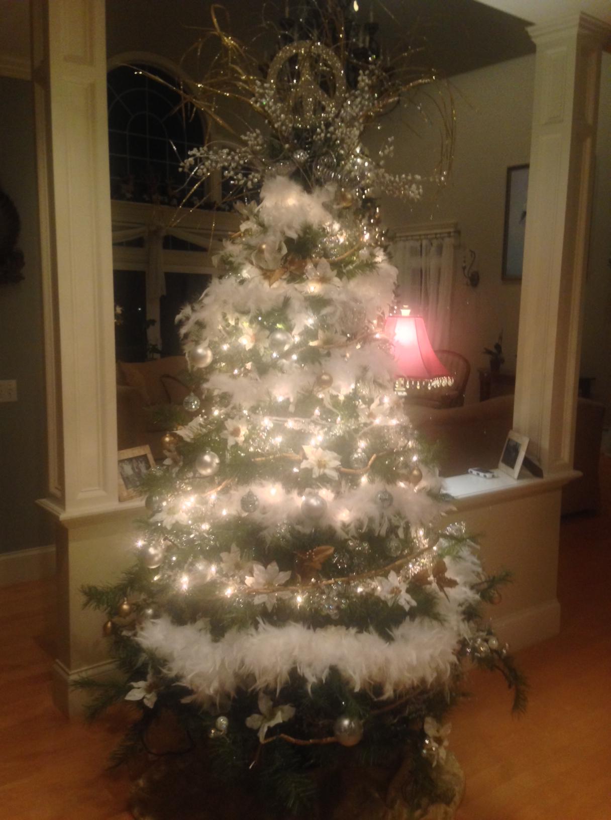 The Joys Of Artificial Pre Lit Christmas Trees Good Morning