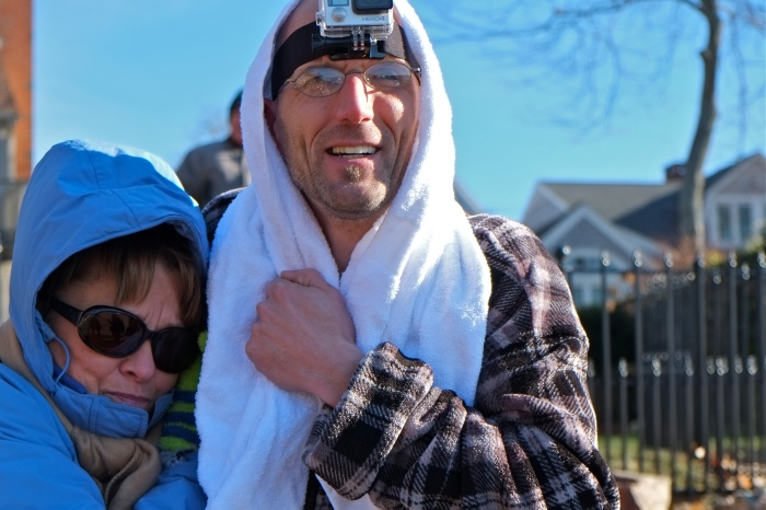 2015 Rocky Neck Plunge Donna Ardizonni Pete Lovasco ©Kim Smith 2015
