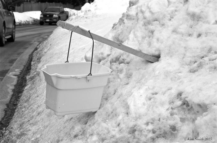 Snowville makeshift New England mail box