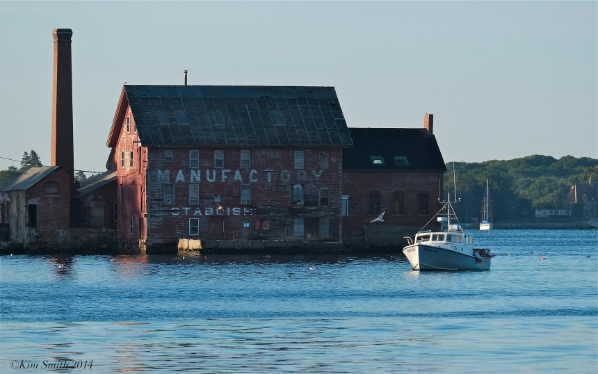 Dunlin Lobster Boat Gloucester Massachusetts Paint Factory ©Kim Smith2014