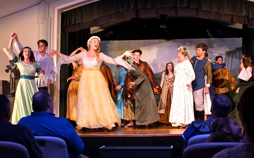 ANNISQUAM VILLAGE PLAYERS CAMELOT -5 ©KIm Smith 2015
