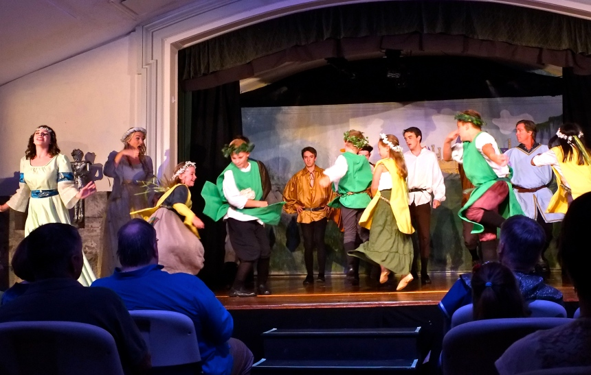 ANNISQUAM VILLAGE PLAYERS CAMELOT -8 ©KIm Smith 2015