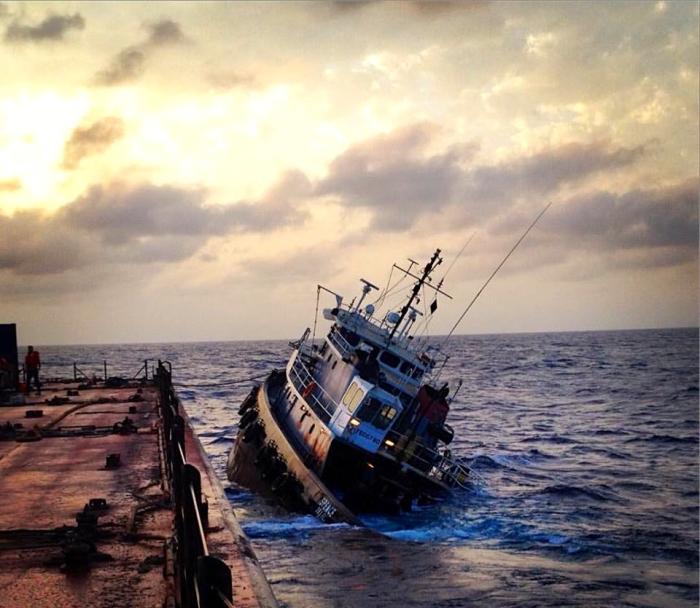 boat sinking 22w