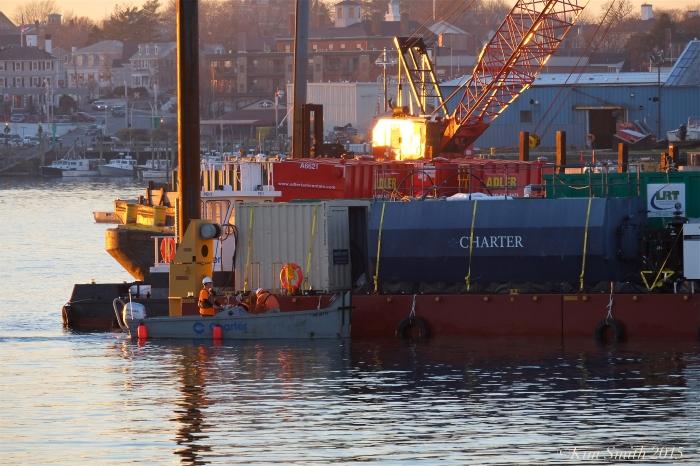 Gloucester harbor dredging men at work ©Kim Smith 2015