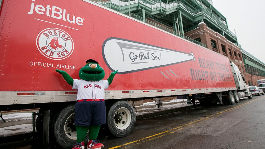 Red_Sox_Truck_Day_1280_p8thd6aj_b95ngwz1
