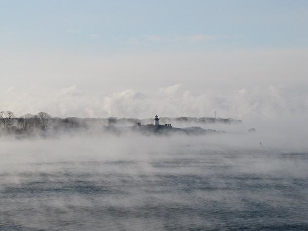 Seasmoke and Ten Pound Island 4