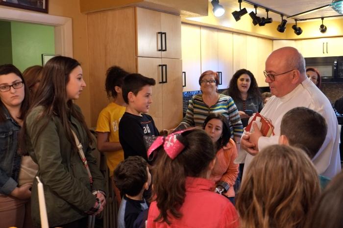 Maria Cannova Gloucester Feast of Saint Joseph blessing children -2 Kim Smith 2016