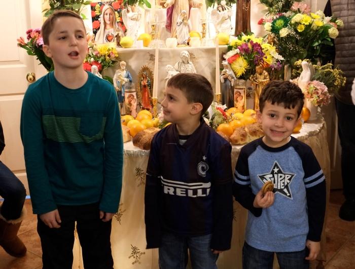 Maria Cannova Gloucester Feast of Saint Joseph blessing children Kim Smith 2016 -8