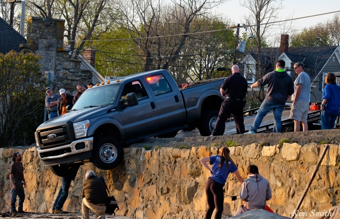 Stuck Truck over seawall -3 copyright Kim Smith