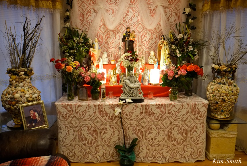 Ciolino Saint Antonio altar copyright Kim Smith