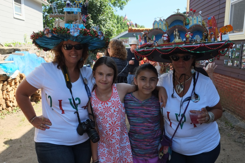 Fiesta Hat ladies April Lia copyright Kim Smith
