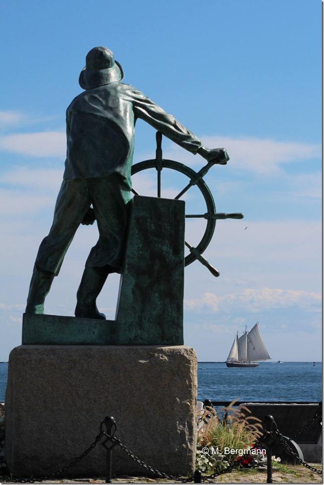 Adventure at Statue