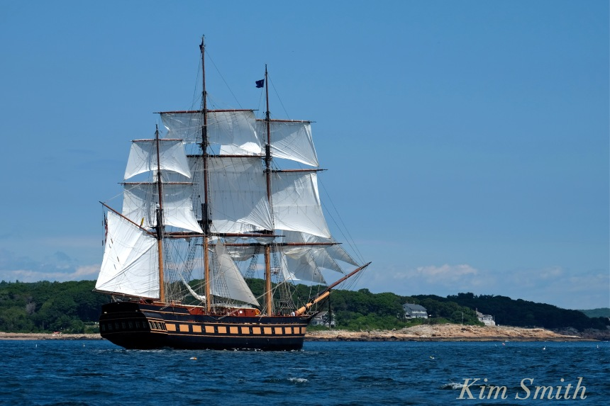 Oliver Hazard Perry ship -- copyright Kim Smith