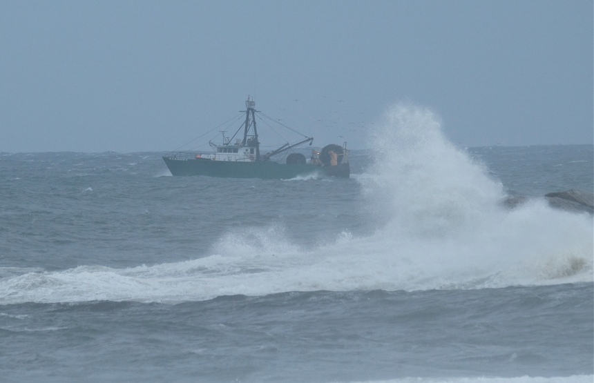Fishing Boat Hermine Brace Rock Gloucester -9  copyright Kim Smith