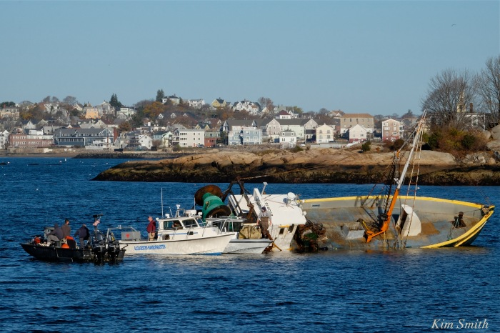 gloucester-shipwreck-blue-ocean-harbormaster-cape-ann-marine-copyright-kim-smith