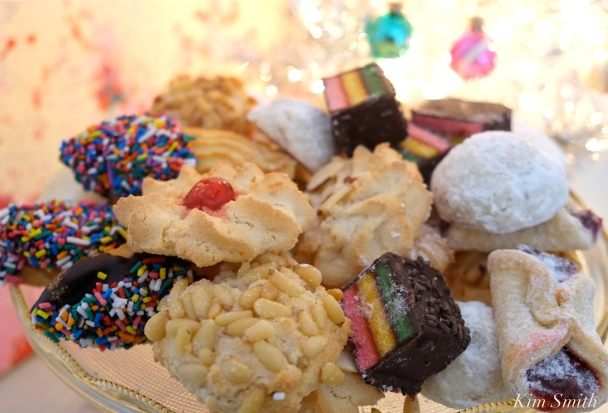 caffe-sicilia-christmas-cokies-copyright-kim-smith