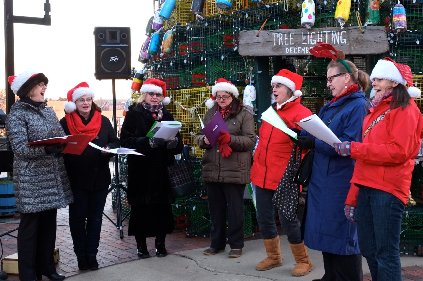 carolers-copyright-kim-smith