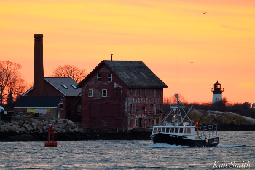 gloucester-harbor-sunset-fishing-boat-fv-cabaret-v-1-copyright-kim-smith