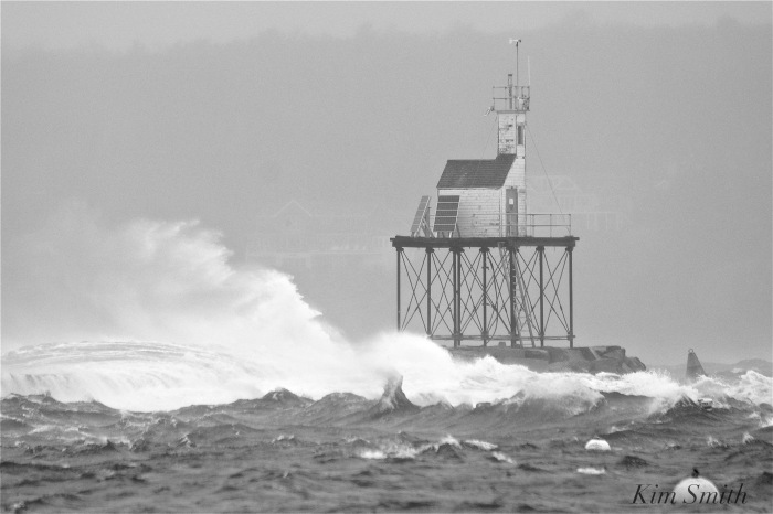 noreaster-backshore-waves-2-gloucester-1-24-17-copyright-kim-smith