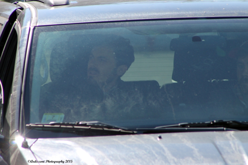 march-23-2015-casey-affleck-driving-form-location